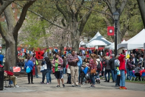 Crowds fill Voorhees Mall  on Rutgers Day
